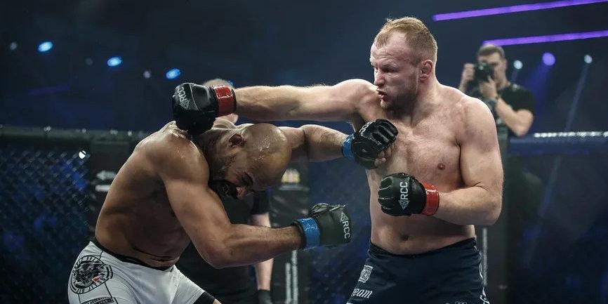 Шлеменко задушил экс-бойца UFC Бранча на турнире в Екатеринбурге