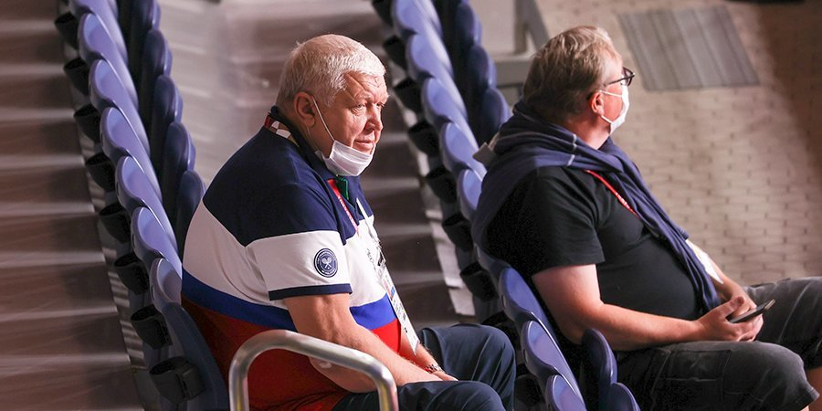 Трефилов «орал дурным голосом», Шишкарев наконец-то похвалил тренера, а наша любимая валидольная команда вышла в полуфинал