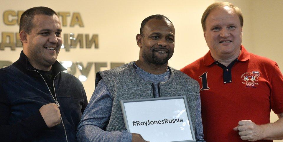 «Я отговаривал Роя Джонса от боя». Умар Кремлев – о «туристах», фамилии и боксе