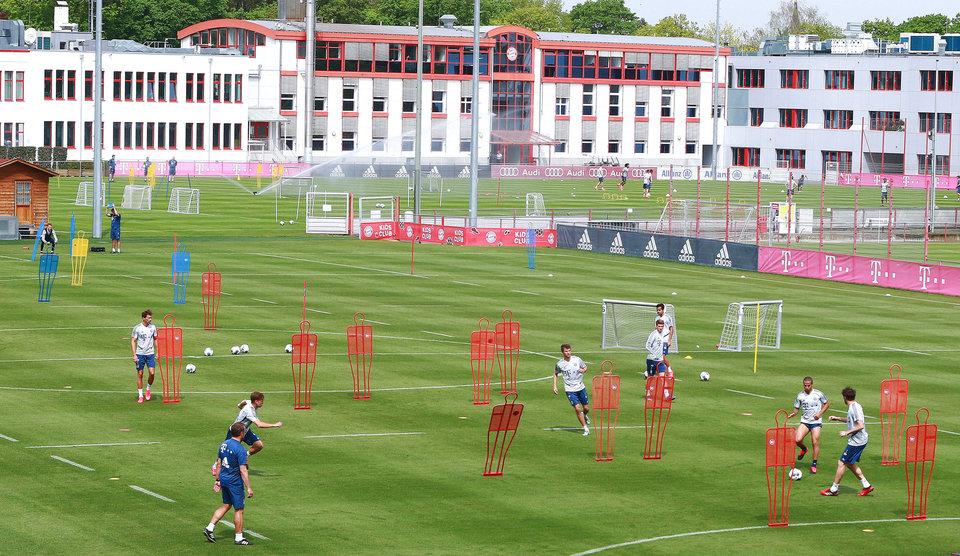 Большинство клубов Серии А начали групповые тренировки, часть команд временно сохранила соблюдение дистанции