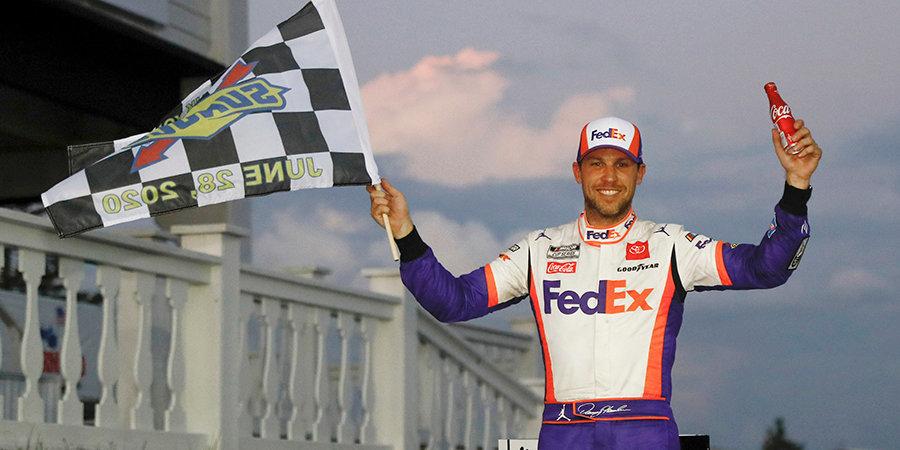 Хэмлин выиграл вторую гонку NASCAR в Поконо