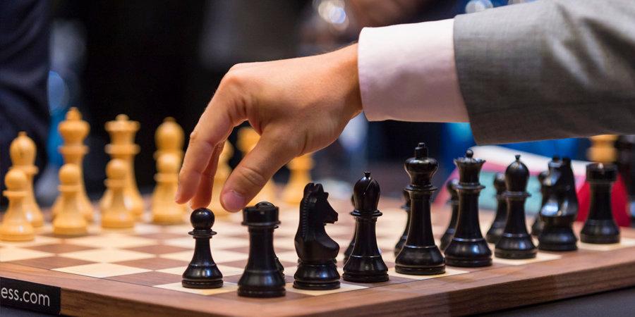 В России провели шахматный турнир в стриптиз-клубе