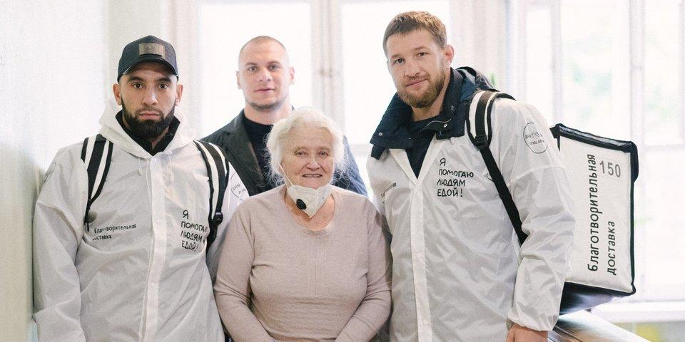 Минеев принял участие в благотворительной акции по доставке обедов одиноким пенсионерам