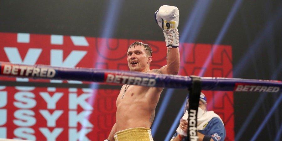 «Куражнул, отвечаю». Усик вышел на бой, уступая 17 кг в весе, победил и вызвал Джошуа