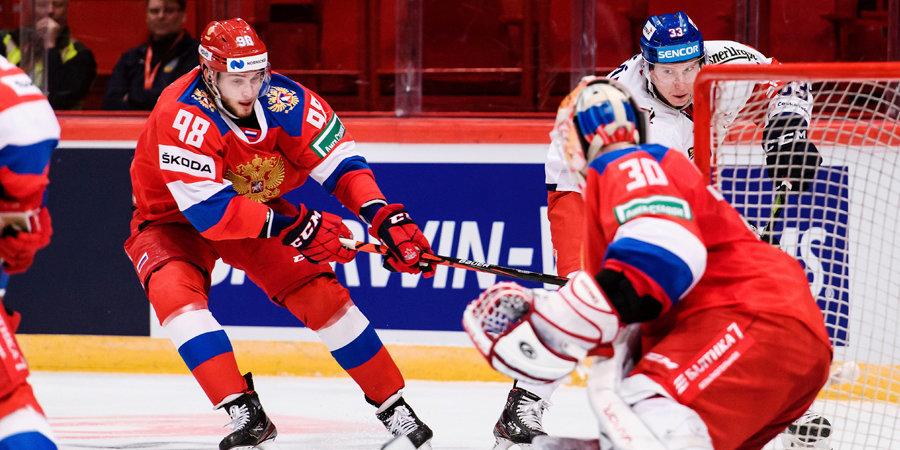 «Мы же хотели проверить в сборной молодежь? Вот и посмотрели». 5 вопросов эксперту о выступлении сборной России на Шведских играх