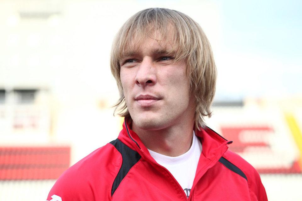 Защитник «Анжи» пропустит 2 матча и заплатит денежный штраф за фол на Дзюбе
