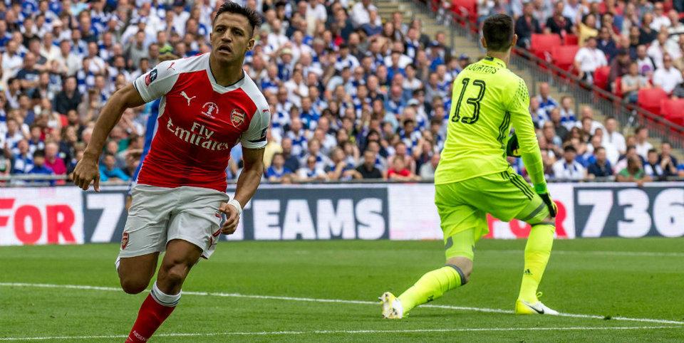 Нужно ли было засчитывать гол Санчеса в ворота «Челси»?