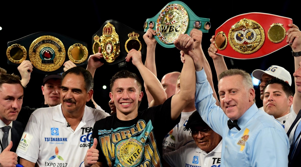 Головкин нокаутировал Мартиросяна и защитил титулы WBC и WBA