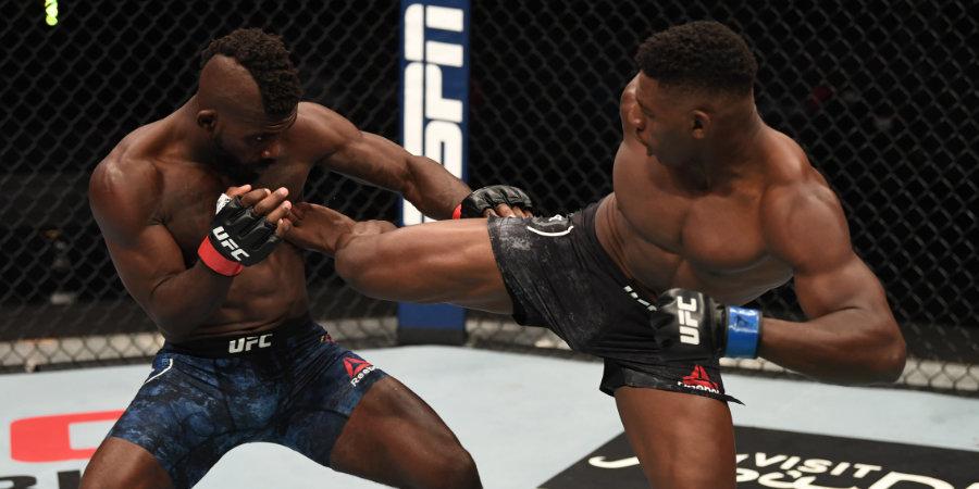В UFC удивительный нокаут ударом с разворота в прыжке – кто его исполнил