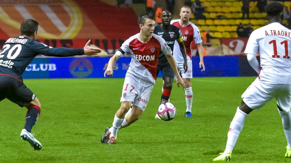 «Монако» не смог одолеть игравшую в меньшинстве «Ниццу», Головин отыграл 79 минут