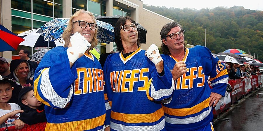 Три хулигана в очках. Братья Хэнсоны – кинозвезды или хоккеисты?
