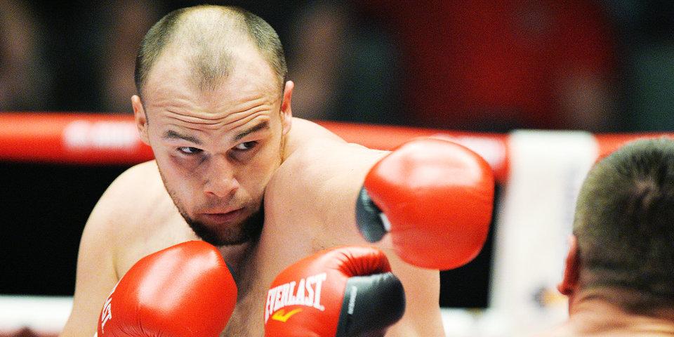 Кузьмин уступил Баколе в бою за пояс WBC в супертяжелом весе