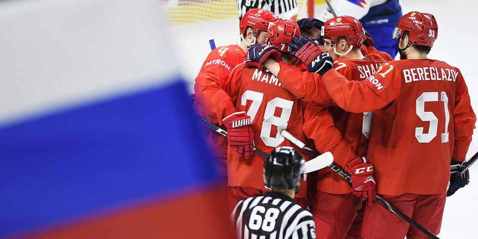 Шестеркин – в снегу, Дадонов – на льду, Ахо – в объятиях партнеров. Лучшие фото группового турнира ЧМ