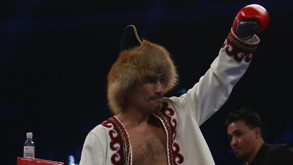 Шафиков в третий раз не смог стать чемпионом мира, проиграв Истеру