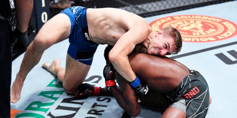Докас досрочно победил Холланда, Антонина Шевченко проиграла О'Нилл на UFC Vegas 38