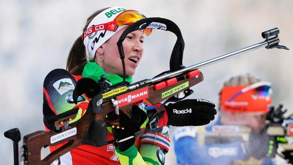Домрачева выиграла спринт в Хохфильцене, Миронова заехала в десятку