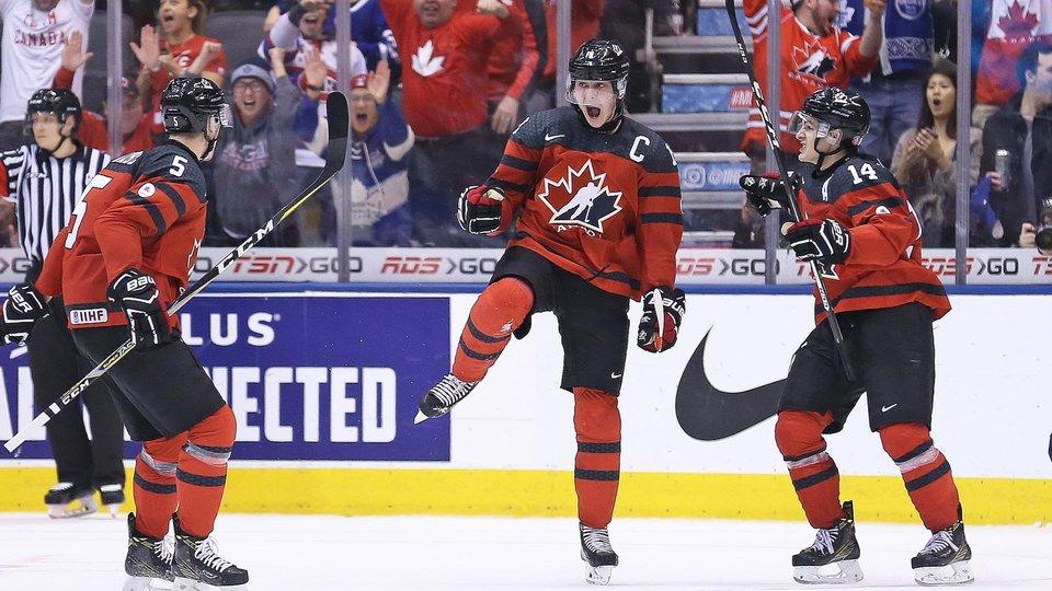 Канада отправила восемь шайб в ворота Швейцарии на молодежном чемпионате мира