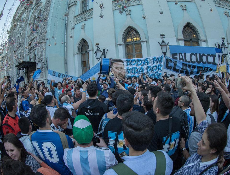 Власти Аргентины попросили депортировать из России фанатов, избивших хорватского болельщика