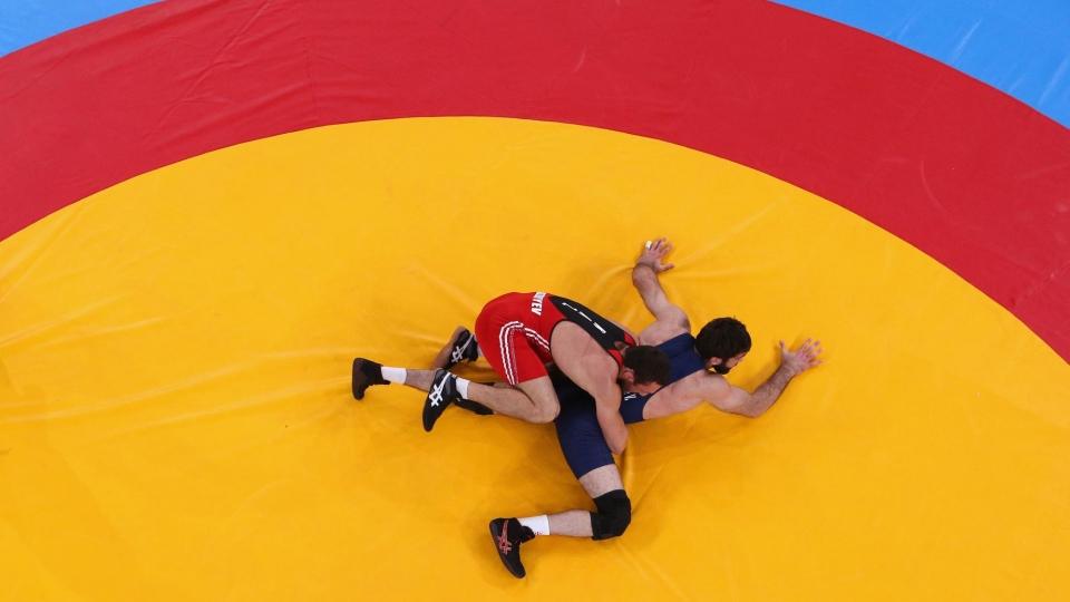 Сергей Емелин: «Не скажу, что соперник сломался после броска через бедро, он продолжал бороться»