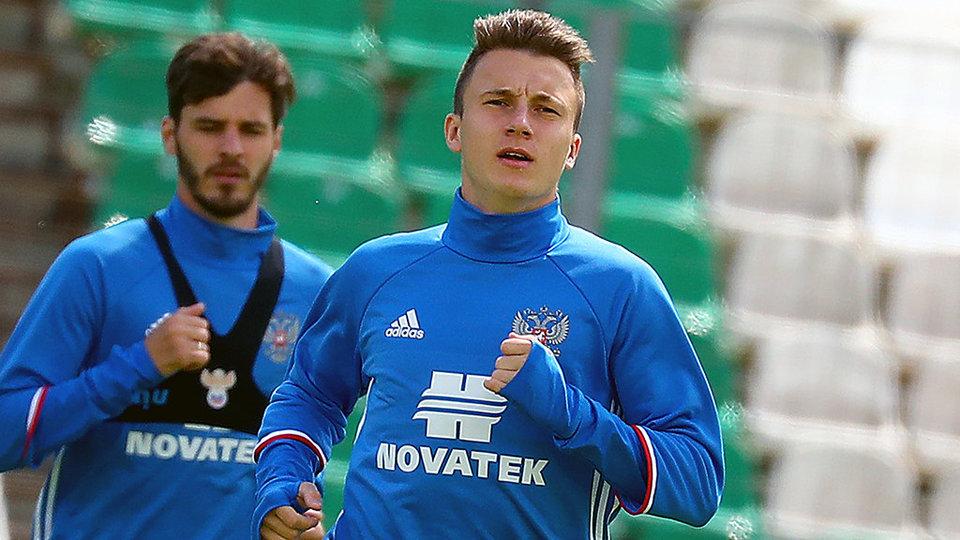 Миранчук пропустил тренировку сборной из-за экзамена, Головин занимался по индивидуальной программе