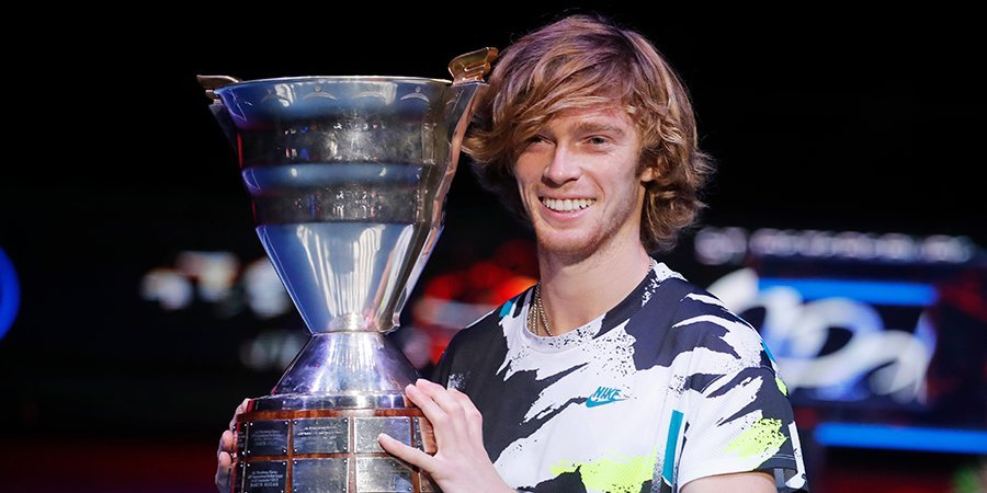 Рублев выиграл турнир в Петербурге и сравнялся с Джоковичем по титулам в сезоне