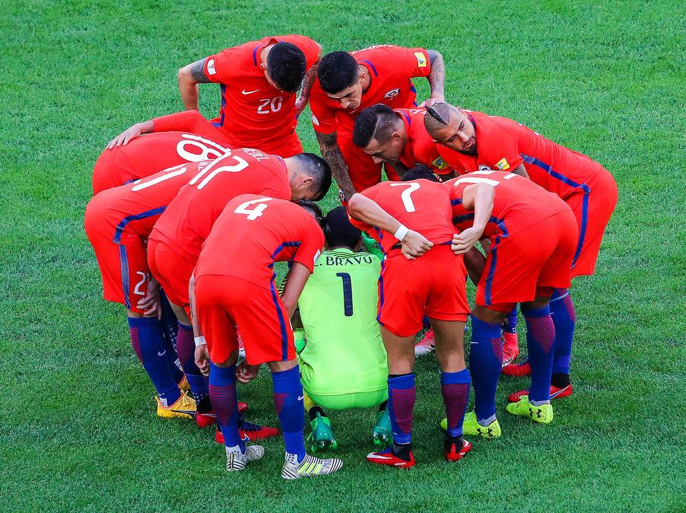 Жена Клаудио Браво обвинила некоторых футболистов Чили в злоупотреблении алкоголем