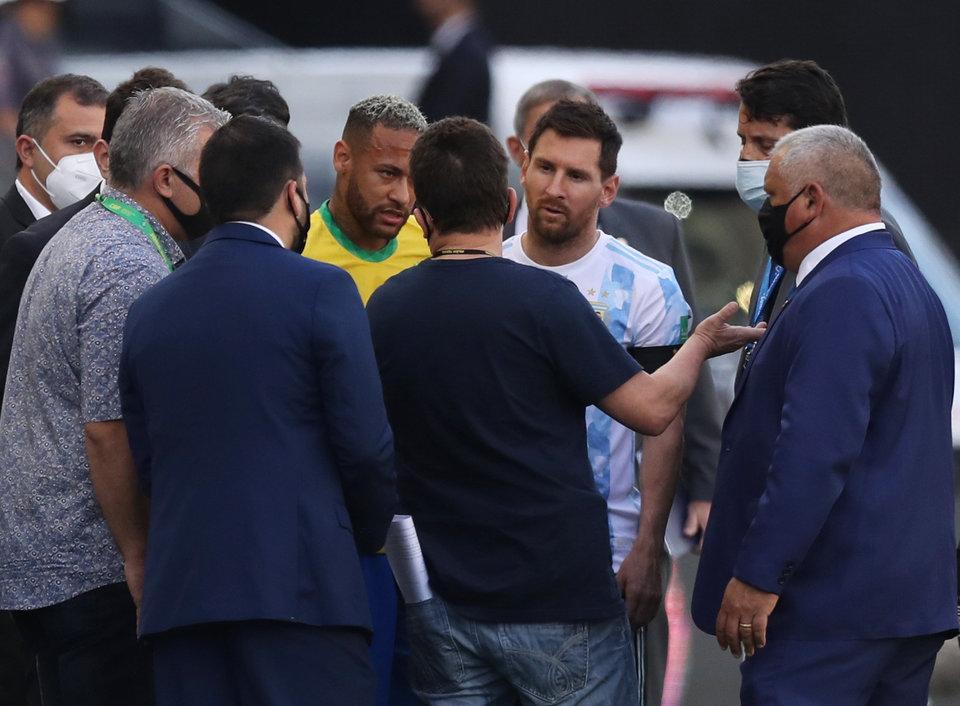 «Мы уходим. Это катастрофа». Первая реакция Месси на срыв матча Бразилия — Аргентина