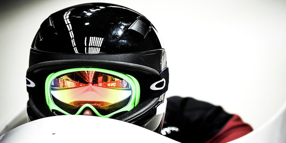 Дисквалифицированный за допинг и сменивший вид спорта Атнабаев отстранен решением ФБР