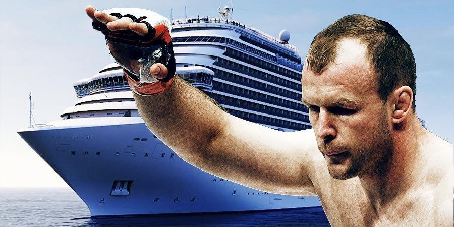 Шлеменко дерется на корабле. Самый загадочный турнир 2019 года