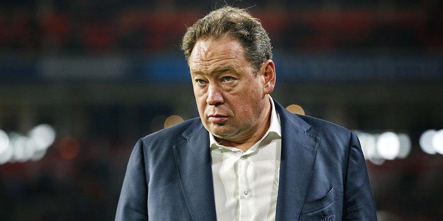 «Слуцкий оказался слишком старомоден и осторожен для Голландии». Как «Витесс» провел два месяца без российского тренера?