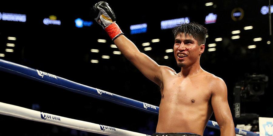 Гарсия по очкам победил Варгаса и завоевал бриллиантовый пояс WBC