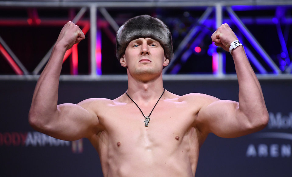 Волков может провести реванш с Льюисом на турнире UFC в Москве