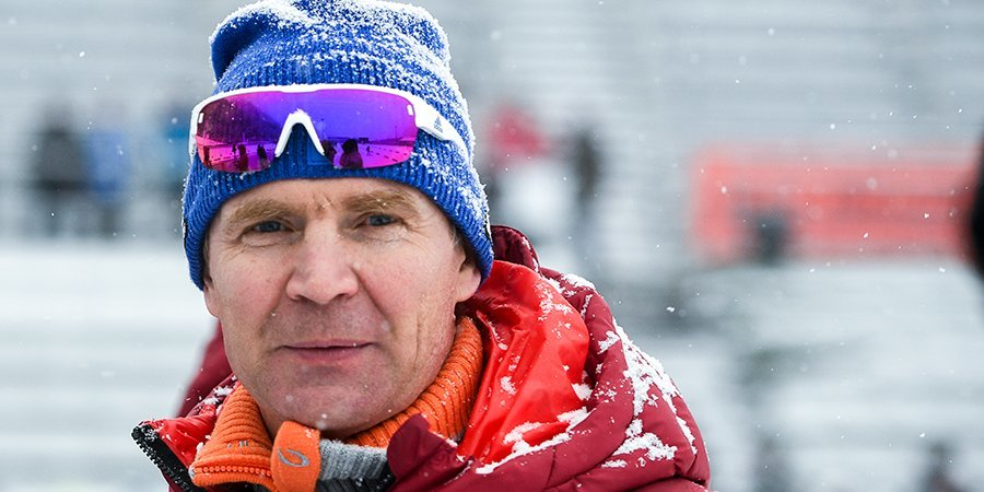 Андрей Падин: «Глядя на российскую сборную, я бы сказал, что командного духа ей не хватает. Надо работать в едином коллективе»