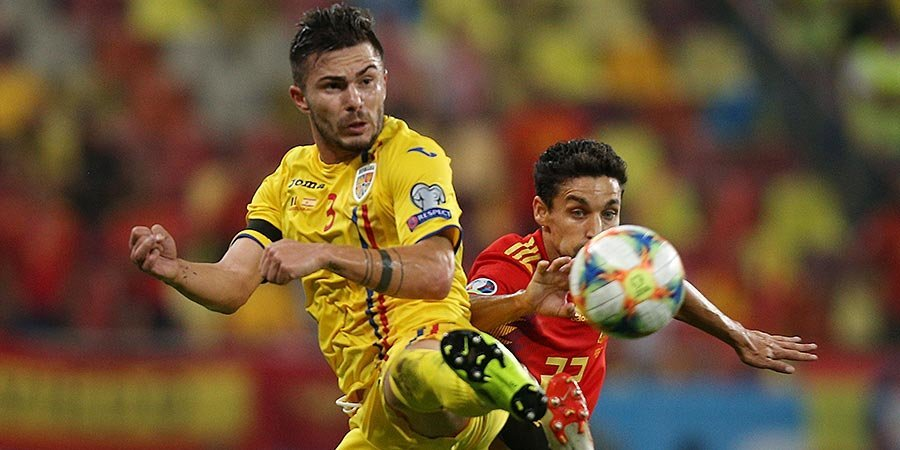 Сборные Италии и Испании едва не потеряли очки в Армении и Румынии: 7 голов и 2 удаления. Видео