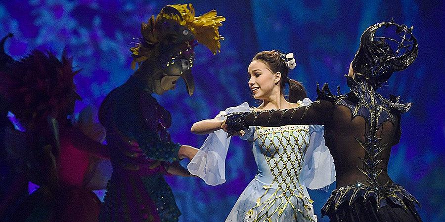 Навка намекнула на участие Загитовой в новом ледовом шоу