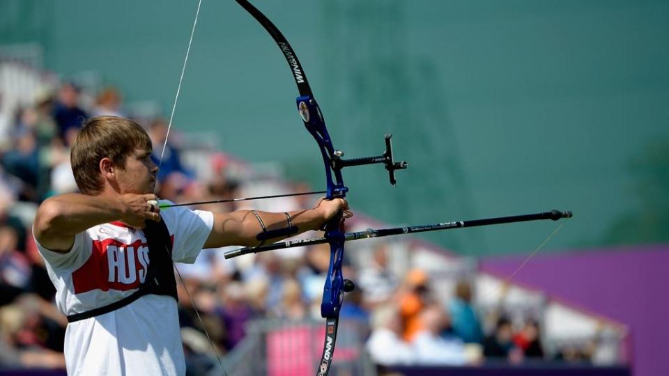 Булаев — чемпион Европы в стрельбе из блочного лука