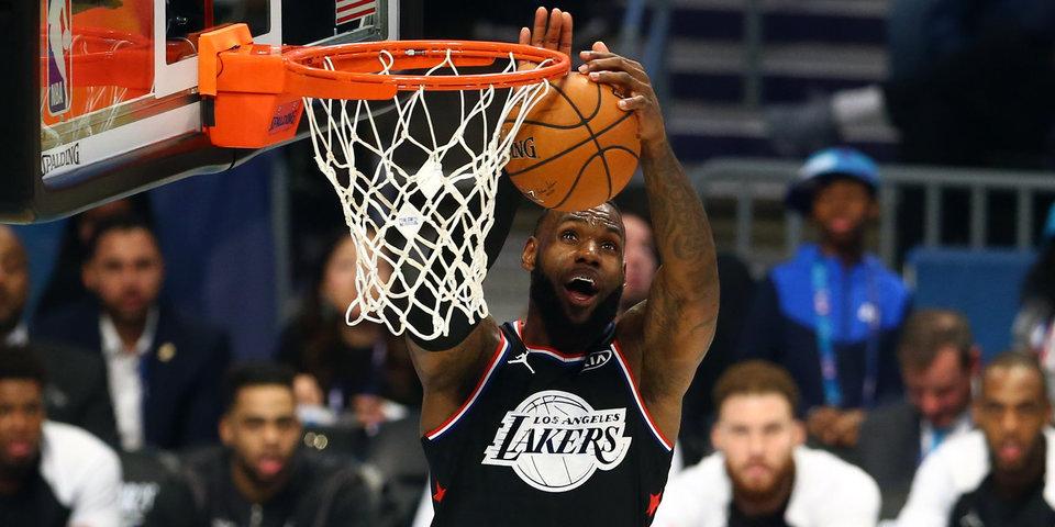 Леброн Джеймс вошел в историю НБА
