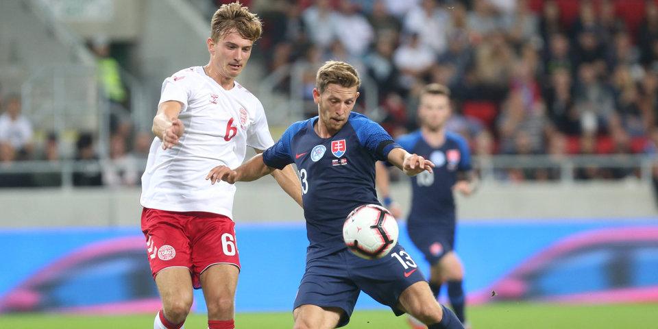 Видеоблогер, строитель, продавец. Кто играл за сборную Дании против словаков и почему?