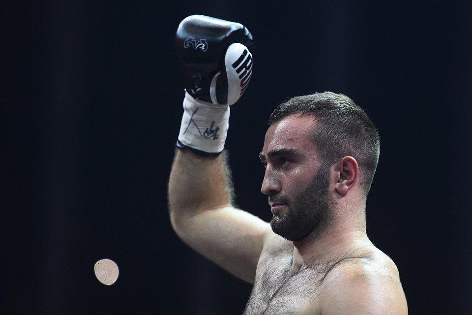 Дебютный бой Гассиева в супертяжелом весе могут перенести на январь