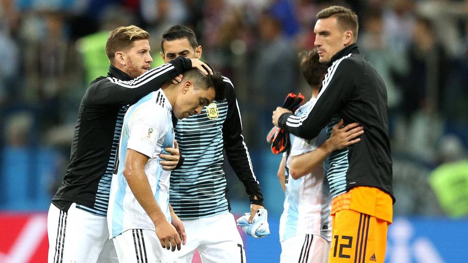 «Аргентина – команда, которой нет. Она не заслуживает Месси». Мировая пресса - о поражении южноамериканцев