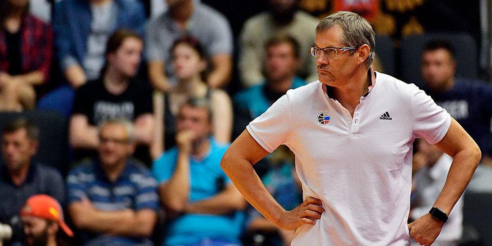 «Я не бастую – готовлюсь к следующей игре». Главный тренер сборной России может потерять работу