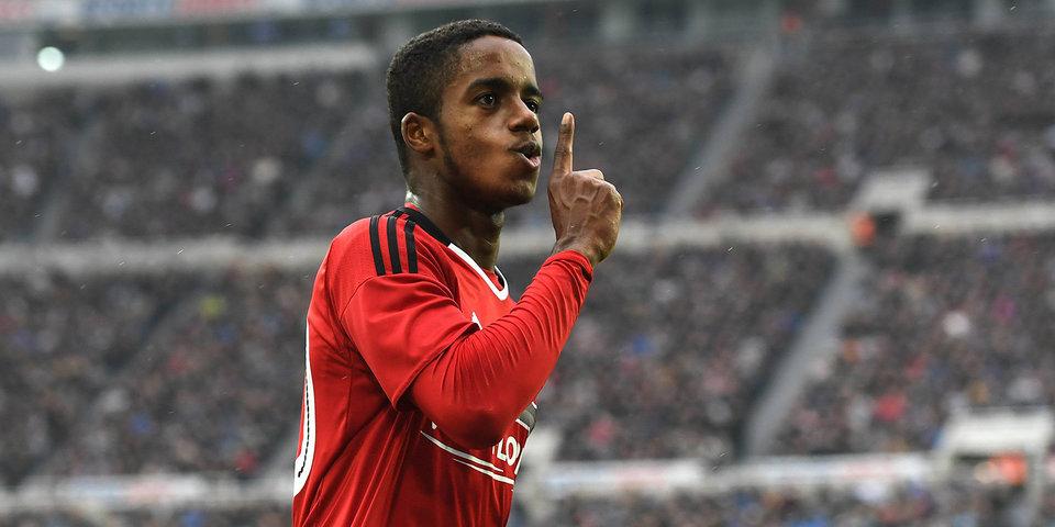 «С этим парнем ошибки быть не может». 17-летний игрок, которого готовы подписать «ПСЖ» и «Бавария»
