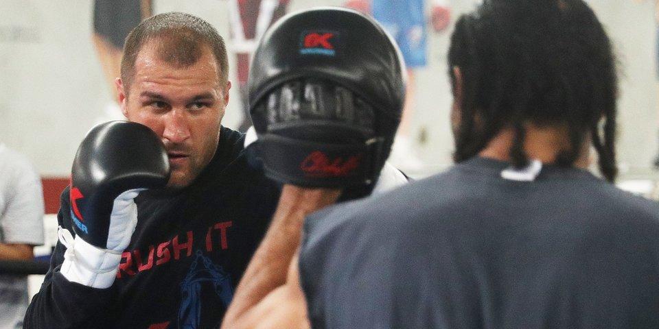 «Сергей бьет сильнее всех, с кем я тренировался». Интервью спарринг-партнера Ковалева и Уорда