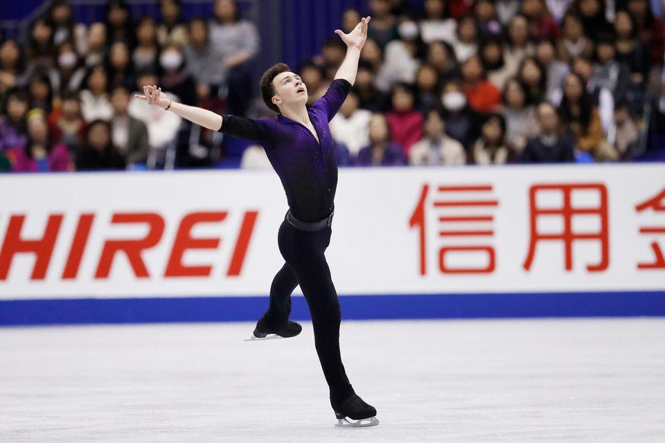 Чен выиграл короткую программу в финале Гран-при, Алиев — четвертый