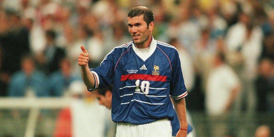 France Football назвал второй и третий составы «Команды мечты»