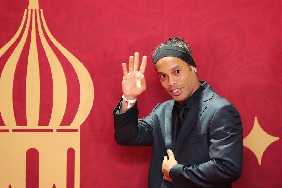 УЕФА иООН организуют благотворительный матч сучастием Фигу иРоналдиньо