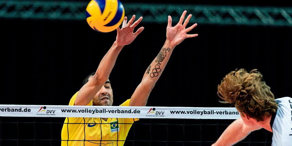 Сборная Бразилии одержала вторую победу на групповом этапе ЧМ
