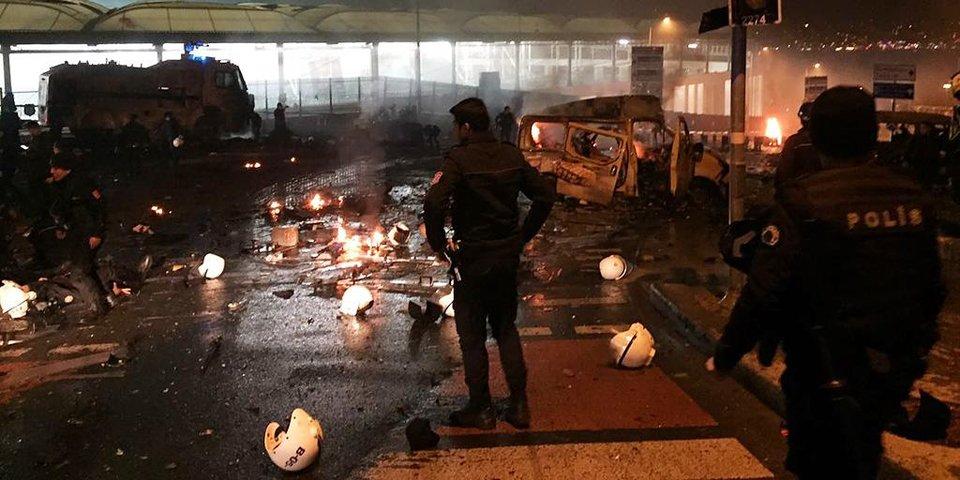Взрывы у стадиона «Бешикташа». Главное