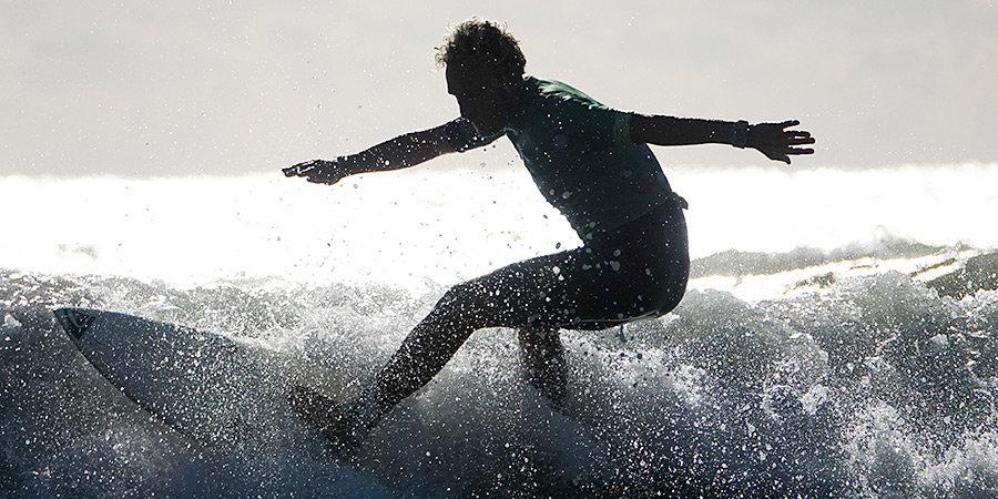 Серфингист Расшиваев: «Вы видели, что творится на ЧМ по хоккею? Я посмотрел и вдохновился»