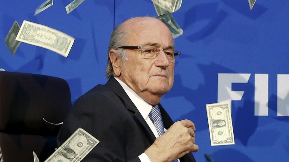 Блаттер попросит ФИФА пересмотреть дело о своем отстранении